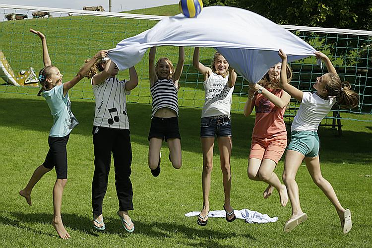 Im Kinderdorf Pestalozzi in Trogen werden Begegnung und Gemeinschaft in unterschiedlichsten Projekten zum Kinderspiel.
