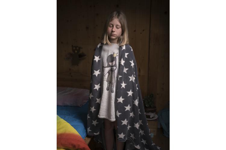 Sophia Stremlow, 12, geht in die 6. Klasse und mag Theater, Hunde, Querflöte, Velofahren, Geschichtenschreiben und Sport. Sie träumte über längere Zeit von bösen Soldaten, denen sie zum Schluss die Bärte frisierte.