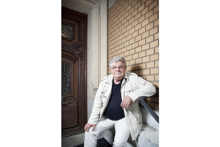 Jesper Juul ist der berühmteste Familientherapeut Europas. Er ist Buchautor und Vater eines erwachsenen Sohnes. Juul lebt in Dänemark. Er schreibt regelmässig Ratgeber-Kolumnen für das Schweizer ElternMagazin Fritz+Fränzi.