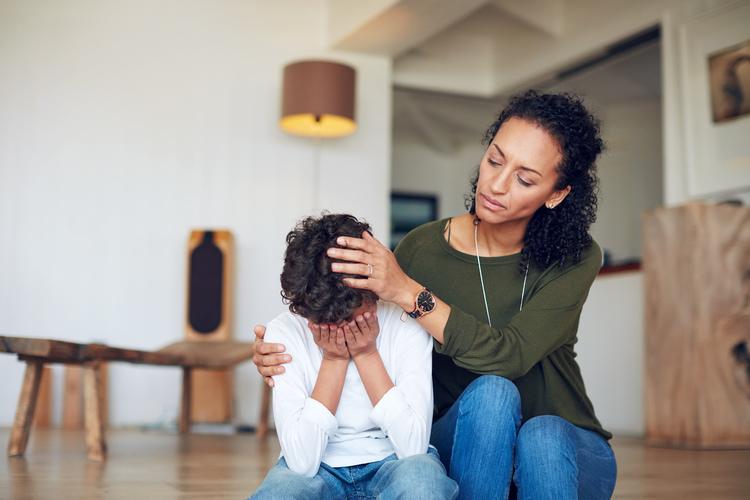 Eine gute Eltern-Kind-Bindung hilft bei der Stressregulation. Bild: iStockphoto