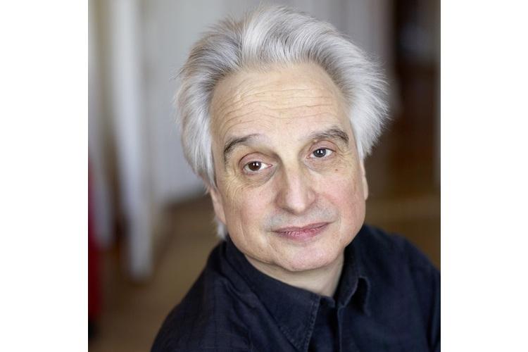 «Die Anforderungen an schulische Leistungen sind nicht gewachsen», sagt Martin Dornes, deutscher Soziologe und Psychotherapeut.