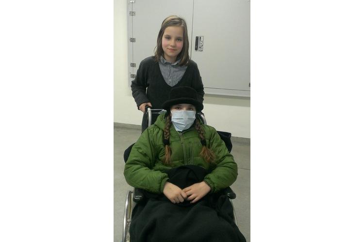 3/5 Die Schwestern während der Bestrahlung.
