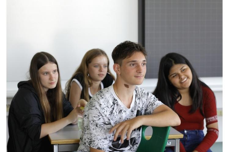 Alle Lehrpersonen, die aktiv an einem guten Klassenklima und der Beziehung zu den Schülern arbeiten, betrachten dies als Investition, die sich auszahlt.