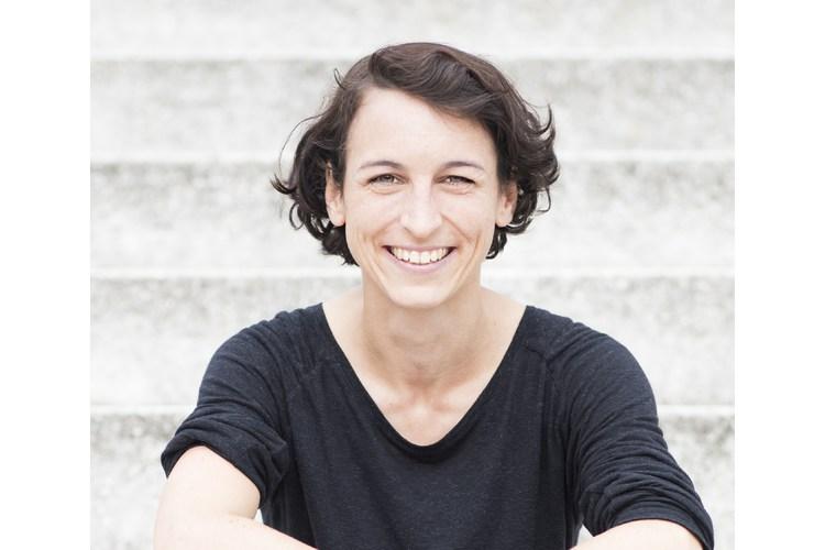 Natascha Wegelin ist Unternehmerin und Privatanlegerin und wohnt in Berlin. Mit 26 Jahren gründete sie ihr eigenes Unternehmen. Seit 2016 betreibt sie den Blog madamemoneypenny.de, um gezielt Frauen über finanzielle Unabhängigkeit zu informieren. Copyright: Jaqueline Häussler