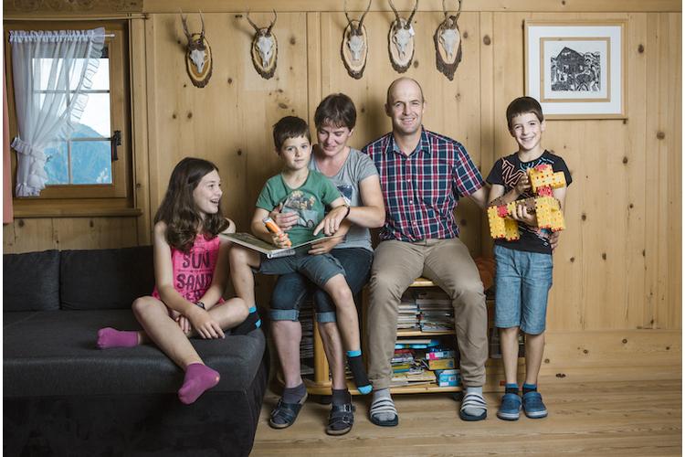 Glück zu fünft: Simon, Christina, Ramona, Hansandrea und Mario Wolf (v. l.).