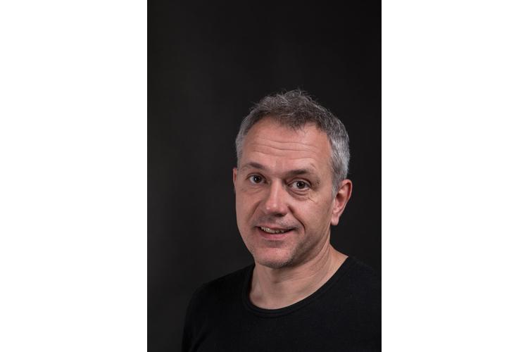 Bruno Wermuth ist Sexualtherapeut und Sexualpädagoge mit eigener Praxis für systemische Einzel-, Paar- und Sexualberatung in Bern. Daneben führt er Bildungsveranstaltungen zu Sexualität und Sexualerziehung durch. www.brunowermuth.ch