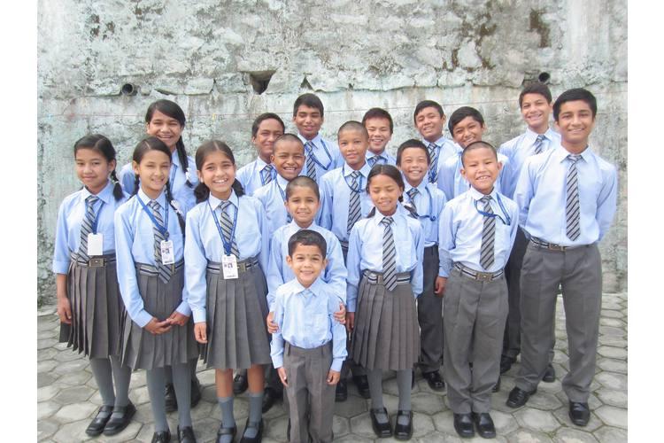 Andere haben nicht so viel wie wir: Florian Blumer spendet an Suren und Maddy Lamas Kinderheim in Kathmandu
