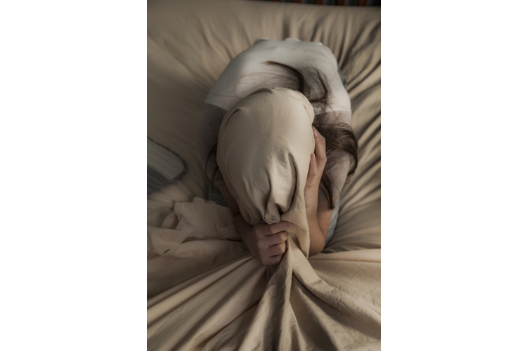 «Im Bett liege ich noch lange wach, weil mir durch den Kopf geht, was ich alles noch erledigen muss» , sagt Munia, Alleinverdienende für ihre Familie.