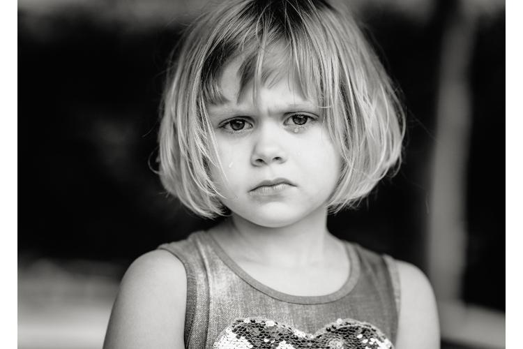 Dem 6-jährigen Kind fehlt das Wissen, wann es etwas tun oder lassen soll.