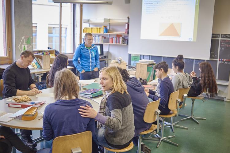 3 / 3 Die Lehrer und Heilpädagogen sind immer da, um zu helfen und zu kontrollieren.