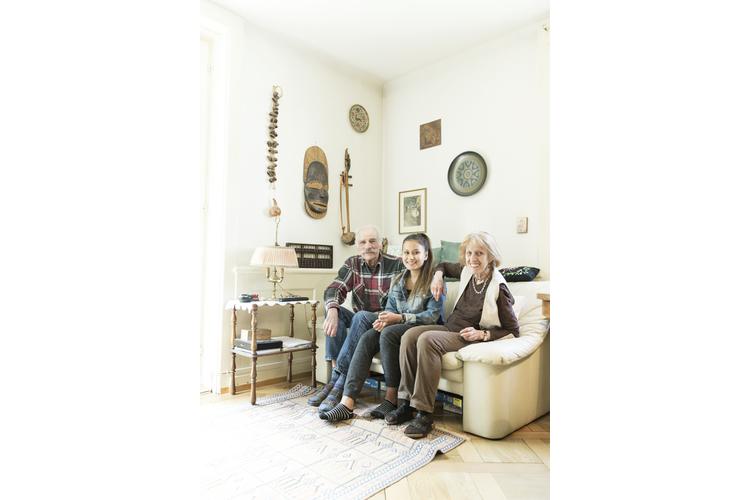 Weil sich ihr Sohn nach der Scheidung nicht um seine Tochter kümmern konnte, nahmen Ines und Edi Schmid ihr Enkelkind Siriwan in Pflege.