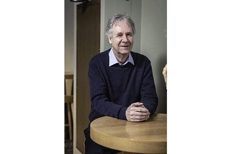 François Höpflinger: Der Soziologieprofessor ist in selbständiger Forschung und Beratung zu Alters- und Generationenfragen tätig. Er ist verheiratet, hat zwei Kinder und vier Enkelkinder.