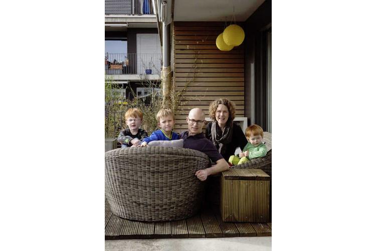 3/5 Mutter Häller arbeitet in Luzern, ihr Mann 30 Kilometer entfernt.