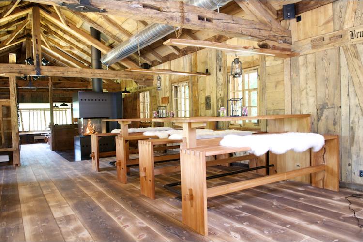 Gemütliches Ambiente in der Brustenegg-Hütte.