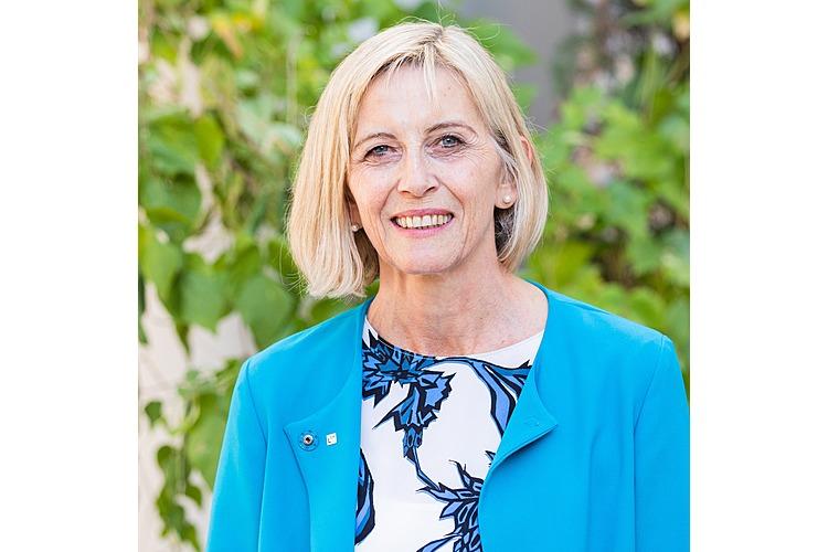 Franziska Peterhans ist Zentralsekretärin und Mitglied der Geschäftsleitung desDachverbandes Lehrerinnen und Lehrer Schweiz LCH.