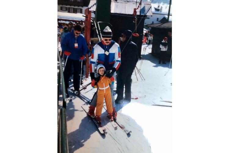 Mit Bob auf dem Skilift gelang die Fahrt.