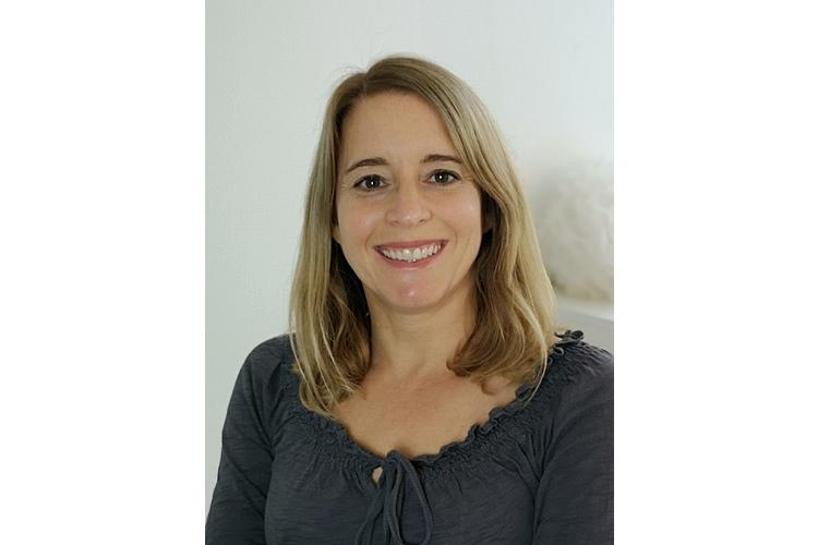 Martina Domeniconi ist zertifizierte Ordnungscoach FO. Ihr Ziel ist es, Menschen beim Bewältigen des täglichen Chaos zu unterstützen. www.organize-my-space.ch