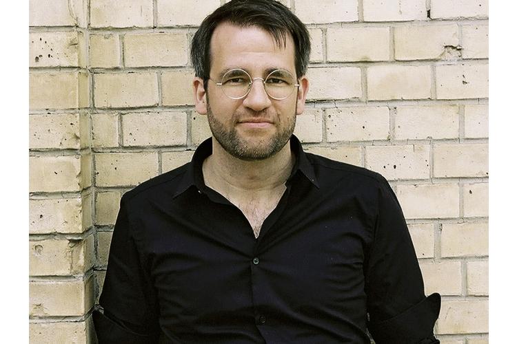 Daniel Fehr ist Spieleautor und organisiert an seinem Wohnort Winterthur monatlich Spieletreffs für Erwachsene.