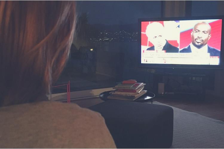Warum soll ich andere nicht beleidigen, wenn der mächtigste Mann der Welt es tut? Der Morgen nach der Wahlnacht bei Familie Jansen. Bild: zVg