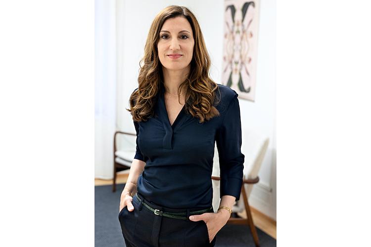 Bettina Disler ist Paar- und Sexualberaterin. Sie absolvierte einen Masterstudiengang in sexueller Gesundheit und sexuellem Recht an der Hochschule für soziale Arbeit Luzern (HSLU). Disler lebt und arbeitet in Zürich. www.paar-sexualberatung.ch