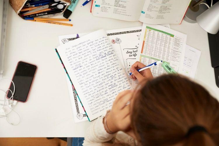 Sek oder Gymi: Was ist besser für mein Kind? Lesen Sie hier den Hauptartikel zum Dossier der Novemberausgabe oder bestellen Sie hier ein Einzelheft.