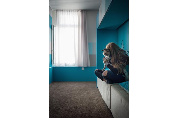 Spendet Trost: Violas Hund Timmi. In den Räumen ihrer Therapiegruppe hat sich der Teenager wohlgefühlt.