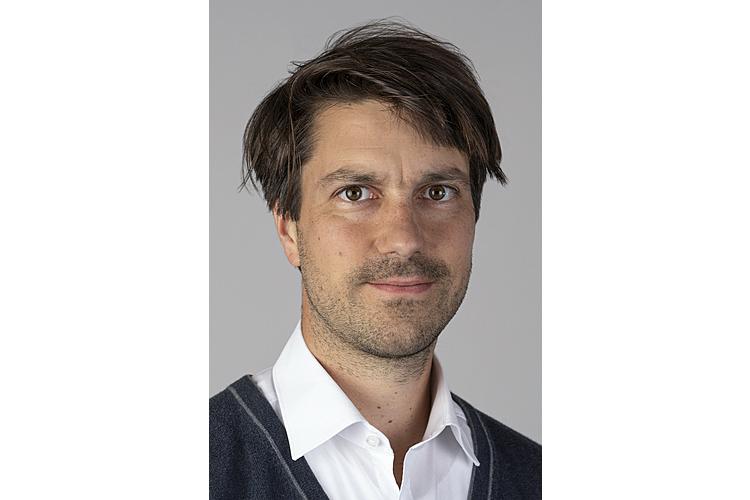 Christian Müller ist Ökonom und Gründer des Intrinsic Campus. Zusammen mit seiner Familie (Kinder im Alter von 2, 4 und 6 Jahren) lebt er in Schaffhausen.