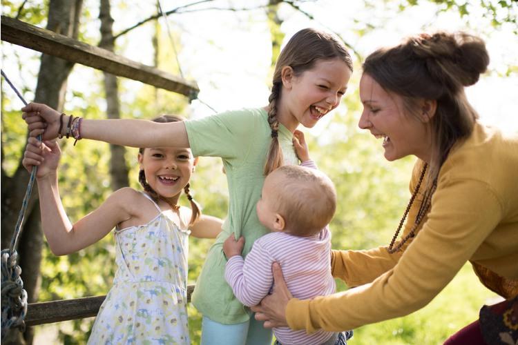 2/11 Denise de Gois und ihre Familie geniessen das Leben dort.