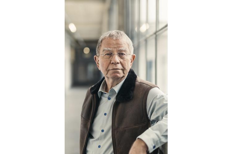 Klaus Heer ist einer der bekanntesten Paartherapeuten der Schweiz und Sachbuchautor («Paarlauf – Wie einsam ist die Zweisamkeit?», «Klaus Heer, was ist guter Sex?»). Bild: Ruben Ung
