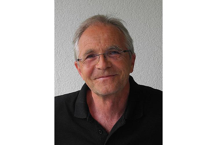 Daniel Niederberger ist Sozialarbeiter und Autor und arbeitet seit über 30 Jahren als Familientherapeut. Der 62-jährige Luzerner ist auch als Maler tätig.