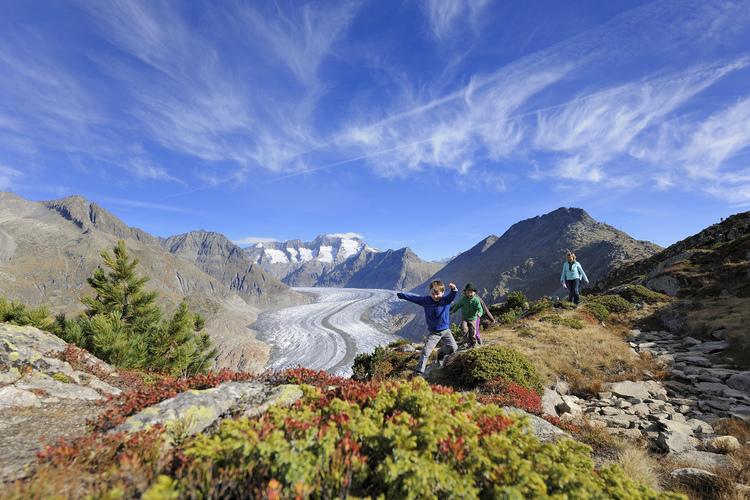 Eidrucksvolle Ausblicke über den Gletscher.
