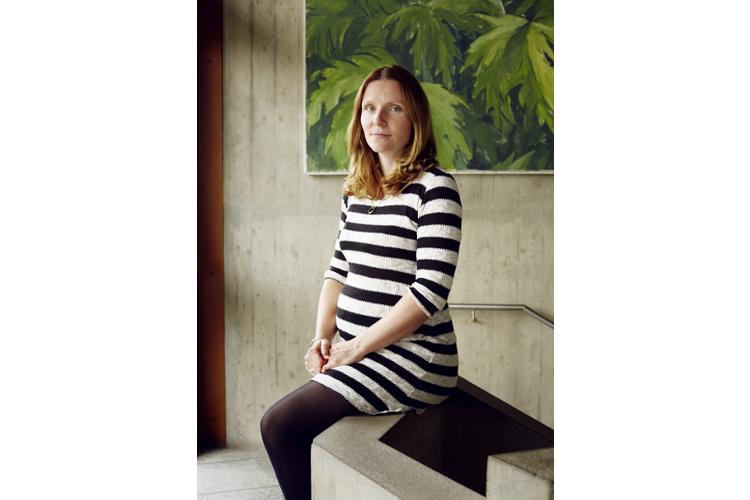 Madleina Brunner Thiam ist Mutter zweier Kinder. Zur Zeit des Interviews war sie mit dem dritten Kind schwanger.