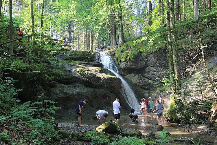 3/4 Waldluft, Wasserfall und Spass