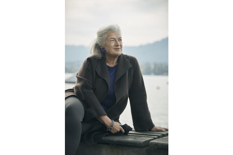 Ellen Ringier nahe Ihres Büros am Zürisee.