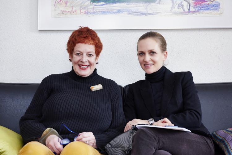 Rochelle Allebes und Fritz+Fränzi-Redaktorin Eveline von Arx.