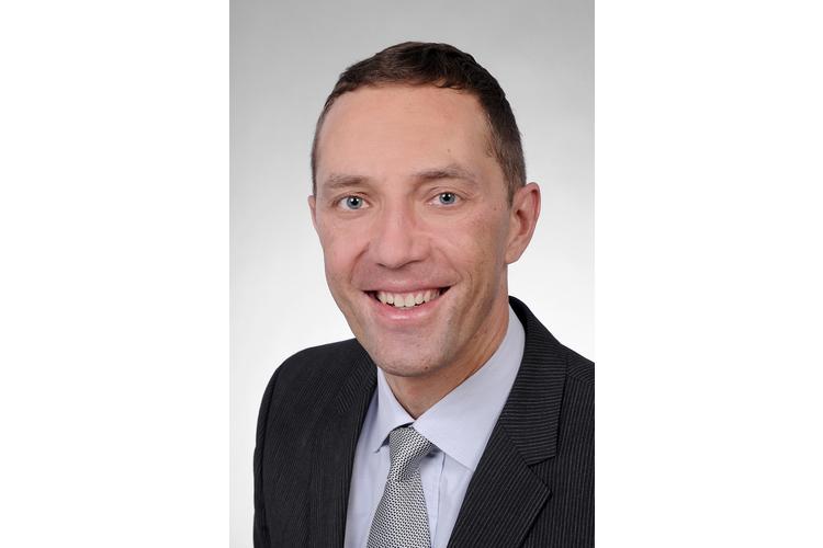 Severin Läuchli, Dr. med., ist Privatdozent und Oberarzt an der Dermatologischen Klinik des Universitätsspitals Zürich.
