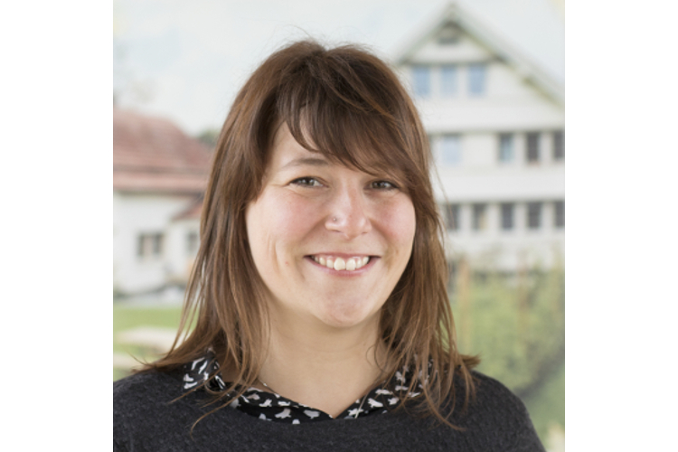 Zur Person:Simone Hilber ist Soziologin und arbeitet bei der Stiftung Kinderdorf Pestalozzi als Fachperson zu Bildungs- und Evaluationsfragen.