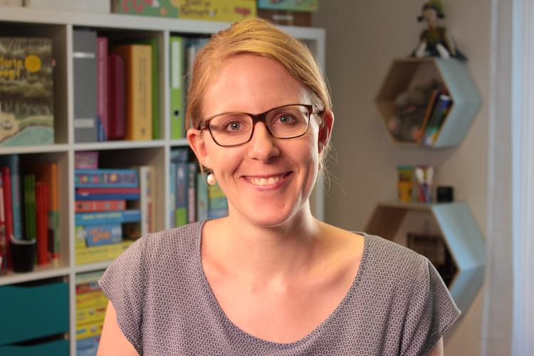 Andrea Weber-Hunziker ist diplomierte Logopädin EDK. In der Praxis für Logopädie Lautart (www.lautart.ch) in Bern führt sie Abklärungen und Therapien von Kindern und Jugendlichen im Alter von 3 bis 20 Jahren durch und bietet Beratungen für Eltern und Fachpersonen an.