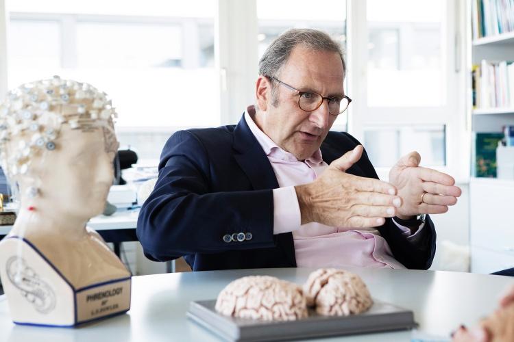 Wenn das Gehirn gross wird: Lutz Jäncke erklärt die Folgen des Gehirnumbaus in der Pubertät.