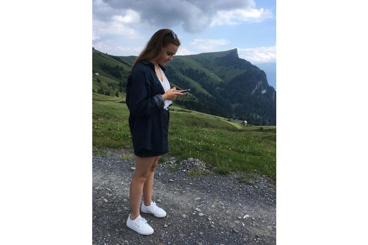 Mia ist 16 Jahre alt und hat im August 2018 eine Ausbildung als Fachfrau Gesundheit begonnen.