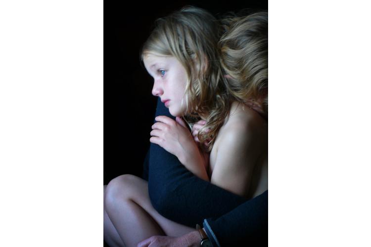 Lassen Sie Ihr Kind an Ihrer Trauer teilhaben.