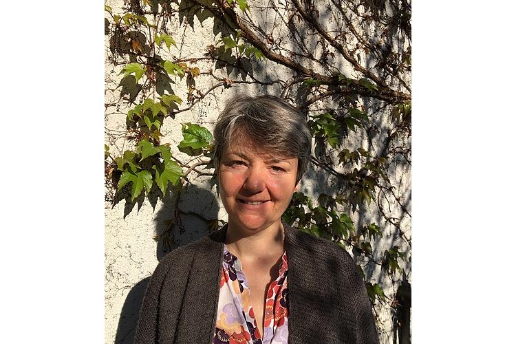 Giulietta von Salis ist Psychologin am Marie Meierhofer Institut für das Kind in Zürich. Sie arbeitet mit getrennten Familien im Rahmen der KET-Beratung (Kinder und Eltern in Trennung), macht zivilrechtliche, kinderpsychologische Gutachten und verantwortet das Praxisprojekt «Spiel-, Werk- und Begegnungsraum MegaMarie im Kulturpark».