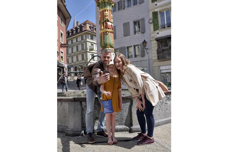 Neu gibt es für Familien ein kostenloses Reisetagebuch mitSpielen, Rätseln, Erkundungen. Das Tagebuch inklusive kleinem Bastelset richtet sich an Kinder im Alter von 5 bis 12 Jahren und kann kostenlos in den Tourismusbüros abgeholt werden. (Bild: zVg Tourismusbüro Lausanne)