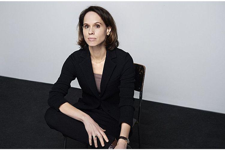 Barbara Bleisch ist Philosophin und Moderatorin, Mitglied des Ethik-Zentrums der Universität Zürich und Autorin des Buches «Warum wir unseren Eltern nichts schulden».