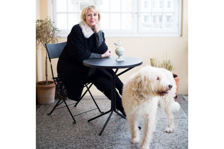 Ihre Hunde können darauf zählen, dass «Mama» sich um sie kümmert.Die Journalistin wünscht sich mehr Toleranz auf allen Seiten.