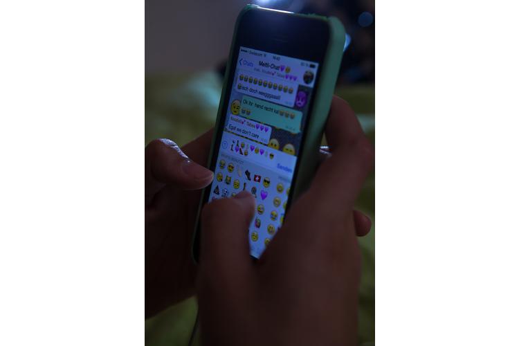 Wenn man in vielen WhatsApp-Gruppen ist, kommen ruckzuck Hunderte von Nachrichten zusammen.