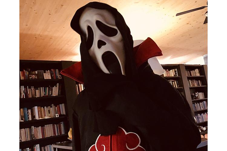 Bereit für Halloween: Der Sohnemann unserer Autorin im Scream-Kostüm