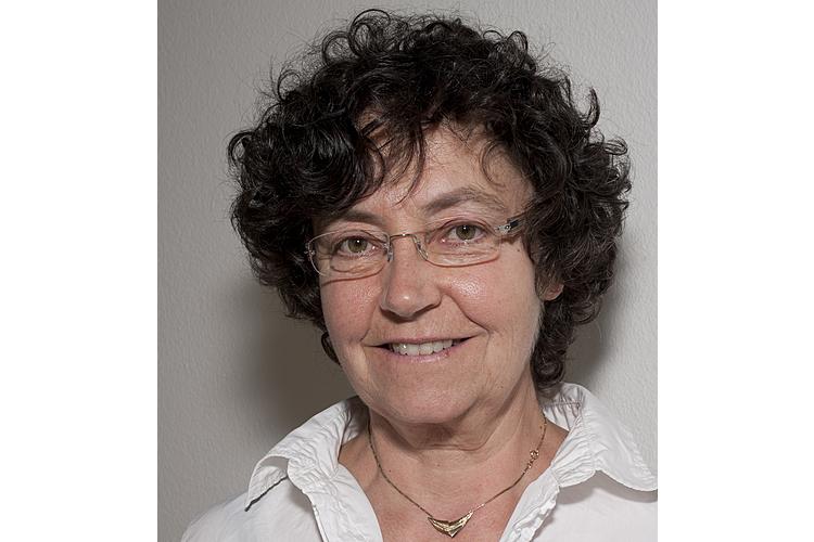 Françoise Alsaker ist emeritierte Professorin für Psychologie an der Universität Bern. Sie studierte Psychologie in Bergen, Norwegen, und war danach Teil des Forschungsteams um Dan Olweus, einem Pionier der Mobbingforschung. In den 1990er-Jahren führte Alsaker die erste Mobbingstudie in der Schweiz durch und sensibilisierte im Lauf der Jahre Schulen und Öffentlichkeit für das Thema.