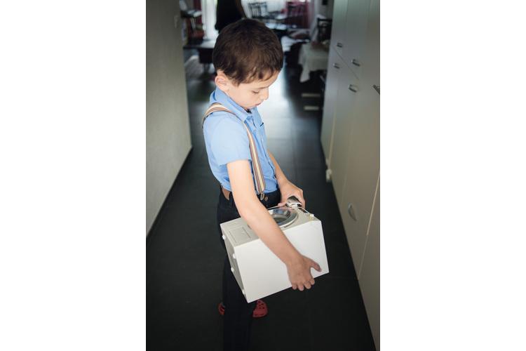 3/4 ...besucht er zur Förderung seiner sozialen Fähigkeiten die Oberstufenklasse.