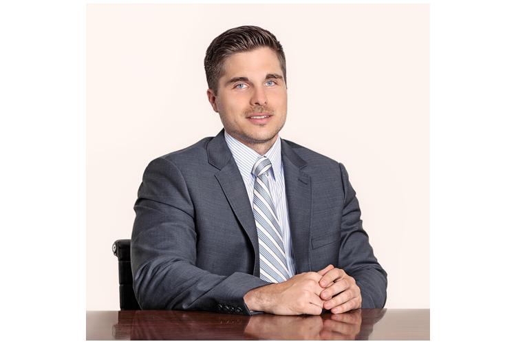 Fabian Voegtlin ist Anwalt für Familienrecht bei Giger & Partner in Zürich. Er kennt sich mit den Rechten der Väter aus.